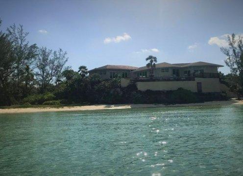 Sand Dollar - Ten Bay Beach villa - beachfront!!