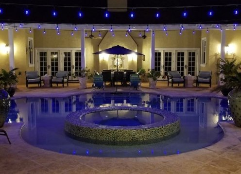 Unicorn Cay - Oceanfront Luxury Estate -Banks Rd.Heated Pool & Generator