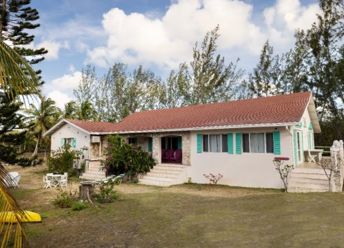 Moonflower | Beachfront House on the Calm Tranquil Waters of Beautiful Gaulding Cay Beach